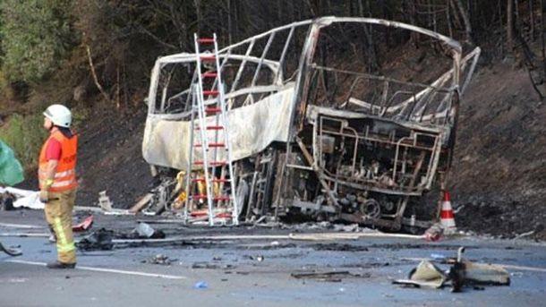 Відомо про перших жертв страшної аварії у Німеччині: люди могли згоріти заживо