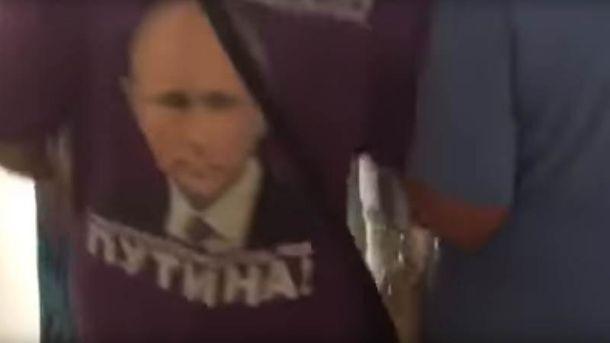 Загін Путіна. Штаб Навального вКраснодарі атакувала сотня неадекватних бабусь— відео