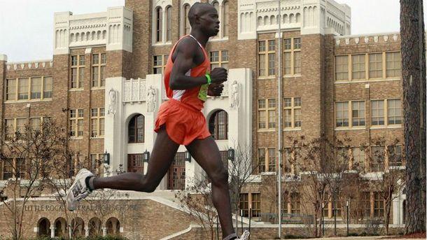 Кенийский профессиональный марафонец Марубе Монинда