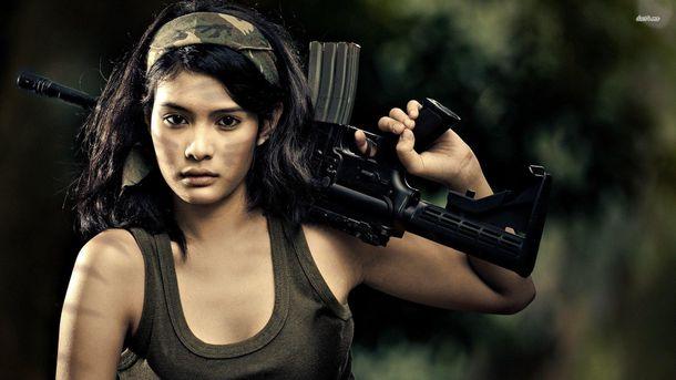 Дівчина-солдат