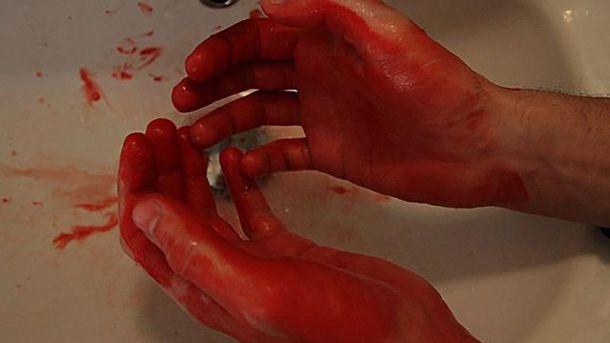 Мужчина нанес своей матери 14 ударов, вероятно, ножом (иллюстрация)