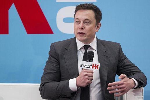 Ілон Маск показав фото Tesla Model 3