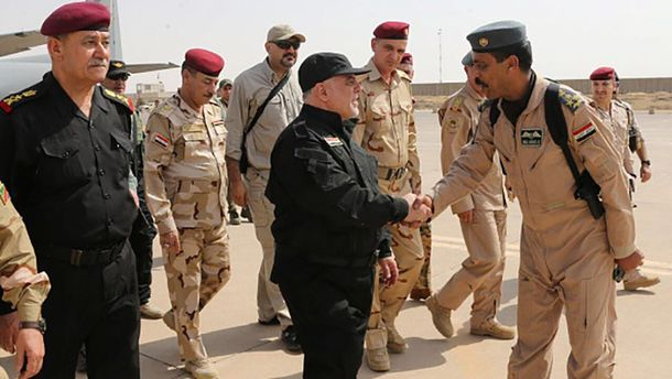 Хайдер аль-Абаді у Мосулі привітав бійців та народ Іраку з перемогою