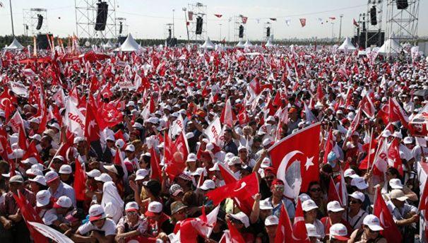 Марш вСтамбуле: сотни тыс.  человек вышли против Эрдогана