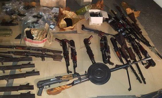 СБУ разоблачила канал контрабанды оружия в Харьковской области