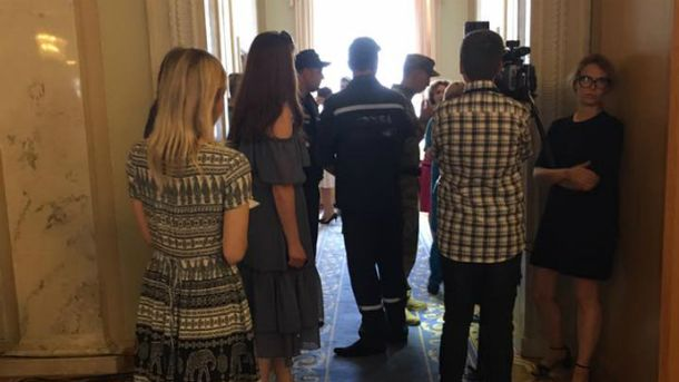 Журналисты сообщают, что Ольга Богомолец потеряла сознание в туалете Верховной Рады