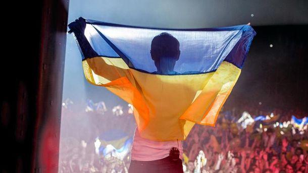 Вакарчук показав перше виконання гімну України