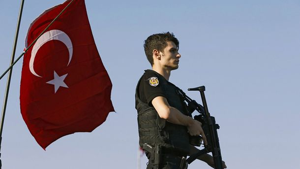 Чрезвычайное положение в Турции (Иллюстрация)