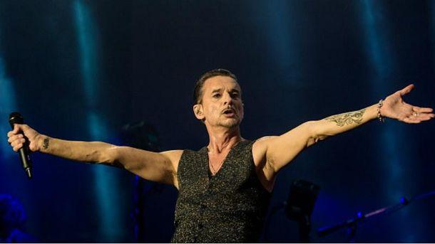 Фронтмена Depeche Mode выписали из больницы в Минске