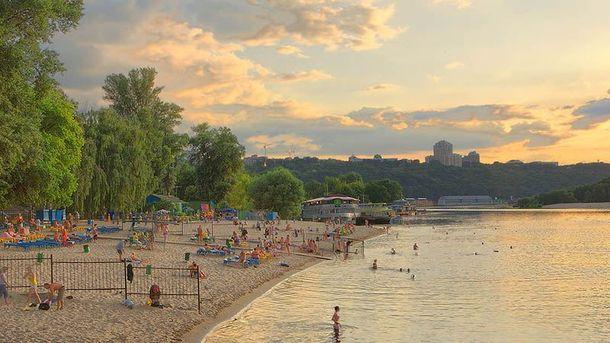 Пляжі у Києві, де можна купатись