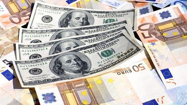 Курс євро вобмінниках перетнув психологічну позначку