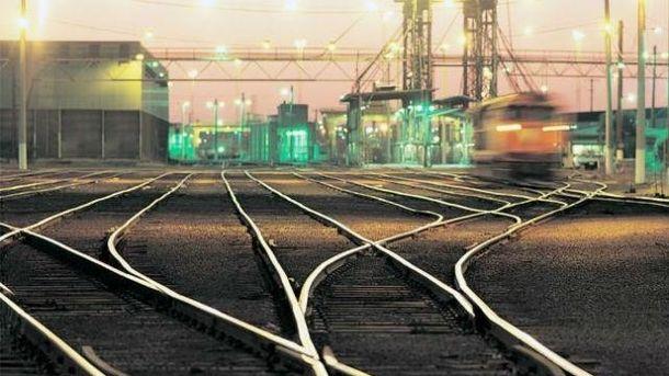 Девушка погибла под колесами поезда