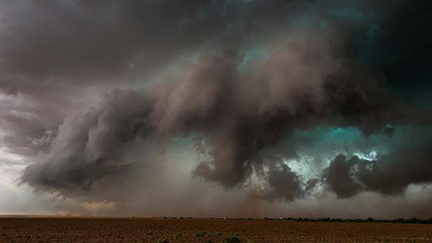 Непогода ожидается в 8 областях Украины (иллюстрация)