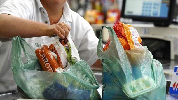 В Великобритании отказываются от пластиковых пакетов