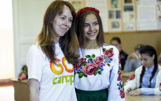 Історія викладачки з Нью-Йорка: Навіщо я волонтерю в Україні?