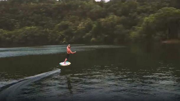 У Пуерто-Ріко винайшли унікальну дошку для серфінгу за відсутності хвиль