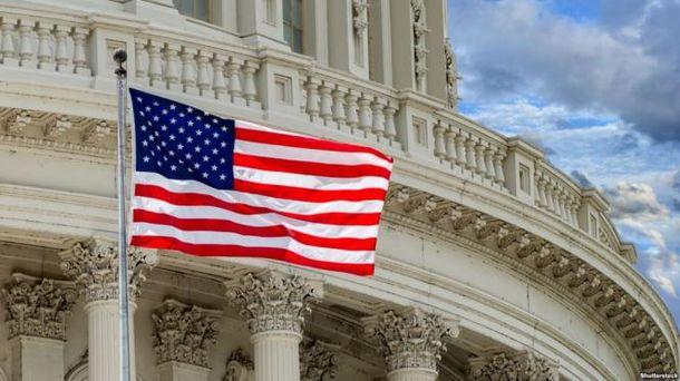 Республиканцы в Конгрессе заинтересовались возможными связями штаба Клинтон с Украиной