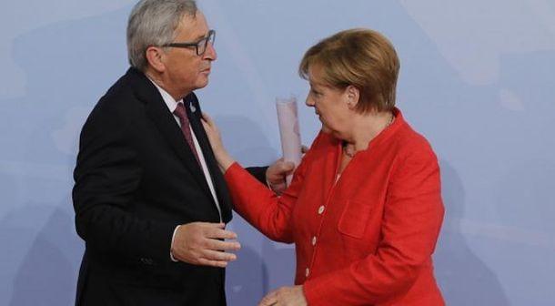 Юнкер перепутал Меркель со своей женой