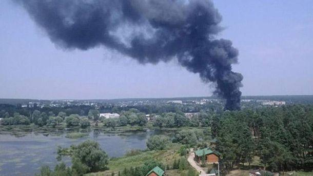 ВХарьковской области произошел пожар наскладе автозапчастей, есть пострадавшие