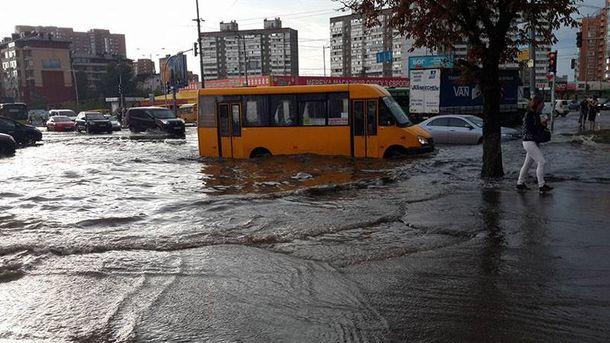 Последствия непогоды в Киеве