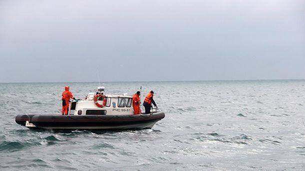 Біля берегів Криму триває пошук ще одного члена екіпажу затонулого іноземного судна