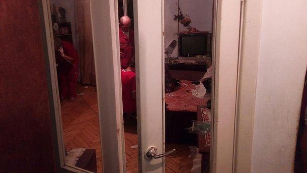 В результате взрыва пострадала хозяйка квартиры