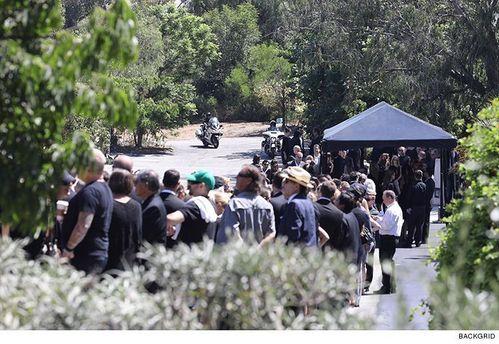 Похорон Честера Беннінгтона