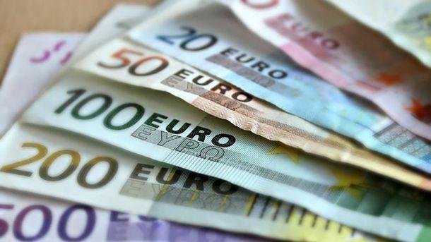 Гривня до євро подешевшала до30,40 грн/€