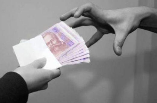 Мошенники выманивали у людей деньги