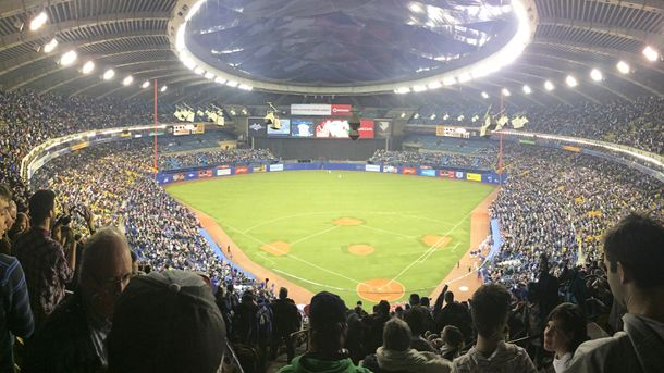 ВКанаде Олимпийский стадион отдали для нужд беженцев