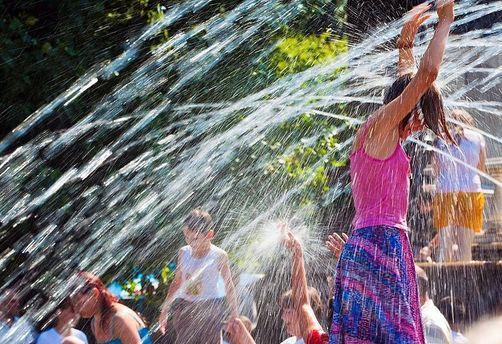 Прогноз погоди на 6 серпня: частину України освіжать грози, решта регіонів потерпатиме від спеки