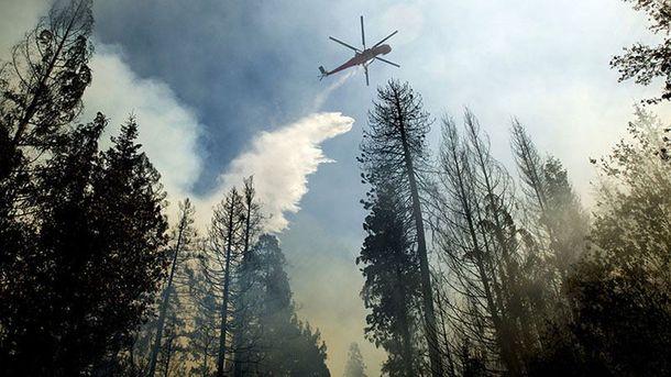 ВКрыму гасят интенсивный пожар при помощи авиации