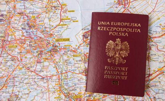 Паспорт Польщі