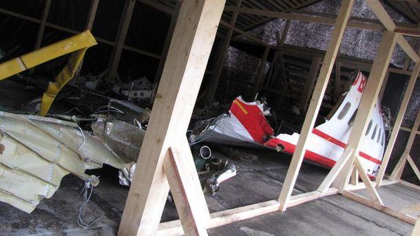 Смоленська катастрофа: польська комісія виявила сліди вибуху на лівому крилі літака