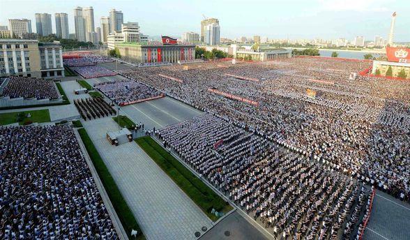 В Пхеньяне прошел многотысячный митинг против санкций ООН