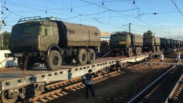 Россия проводит масштабную передислокацию военной техники