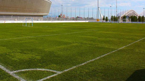 В России эпически оконфузились с покрытием футбольного поля