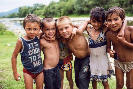 Роми Закарпаття: розвіюємо упередження до українських ромських поселень