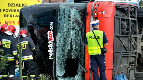 Автобус PolskiBus перевернулся в Польше