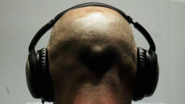 Тишина набирает популярность вчарте iTunes