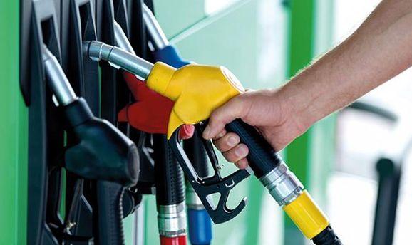 Владельцы автомобилей Крыма пожаловались на недостаток бензина вреспублике
