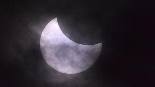 Найдовше сонячне затемнення в історії: захоплюючі кадри