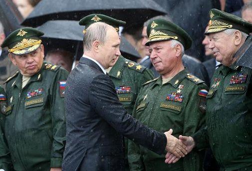 Путін оголосив про скорочення витрат на«оборонку»