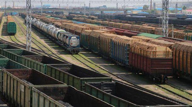 «Укрзализныця» снова желает поднять цены нагрузовые транспортировки