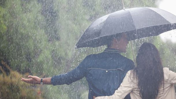 Погода на 17 серпня: На заході дощі з грозами, решта території – спека