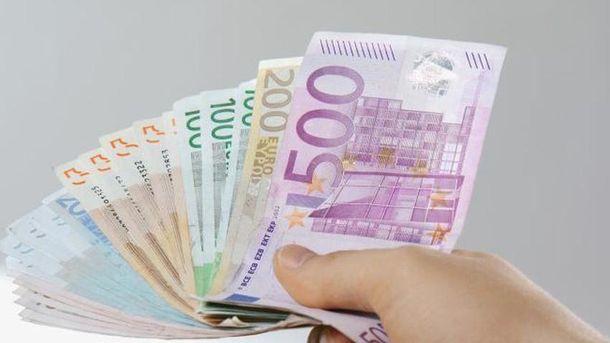 Готівковий курс валют 21 серпня: євро і долар подешевшали