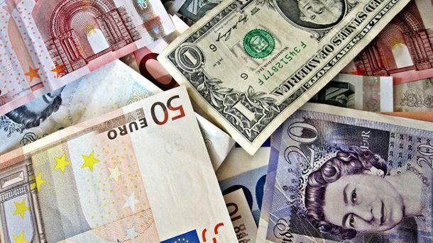 Готівковий курс валют 18 серпня: гривня продовжує дорожчати