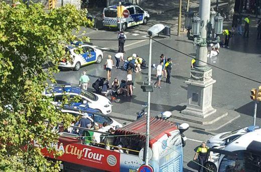 У Барселоні вантажівка наїхала на людей