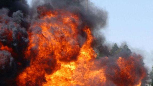 ВДонецке взорвался грузовой автомобиль  сбоеприпасами