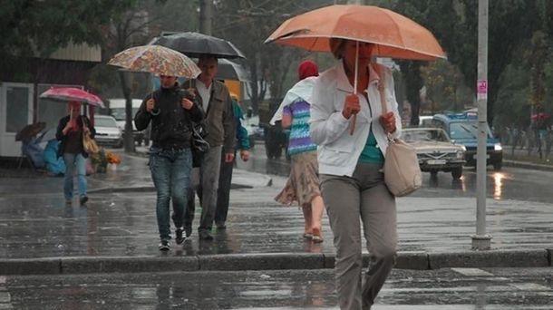 Спека неполишає Україну, назаході - дощі ташквали